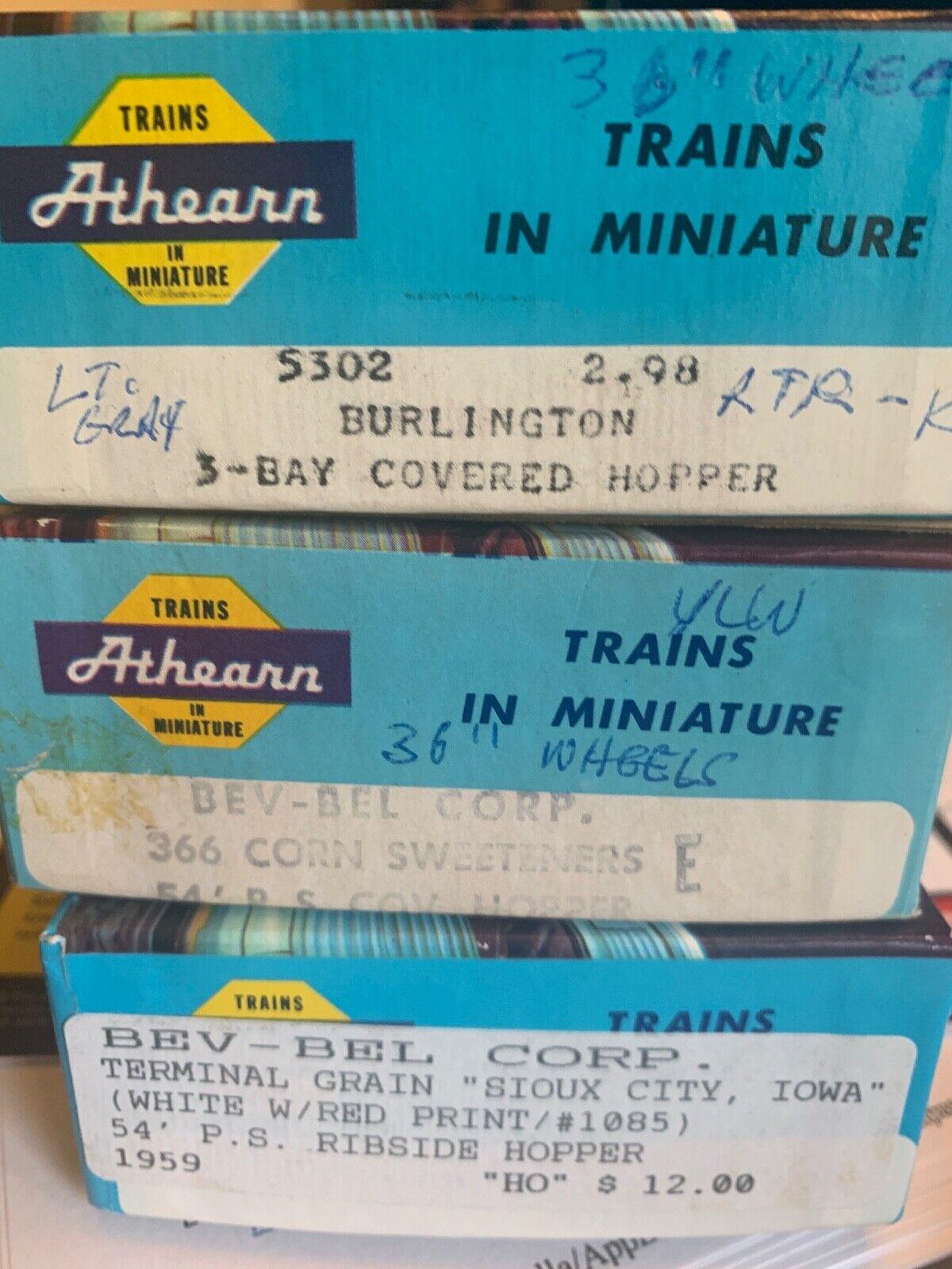 LOT OF 3 - ATHEARN 2 BEV-BEL 54' P.S. RIBSIDE HOPPER & 1 3-BAY BURLINGTON HOPPER