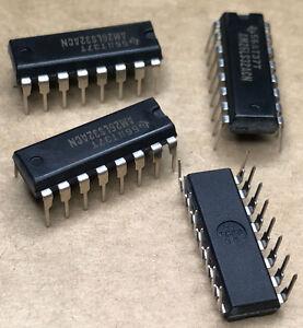 118-X-AM26LS32ACN-Quad-Receiver-RS-422-RS-423-16-Pin-PDIP