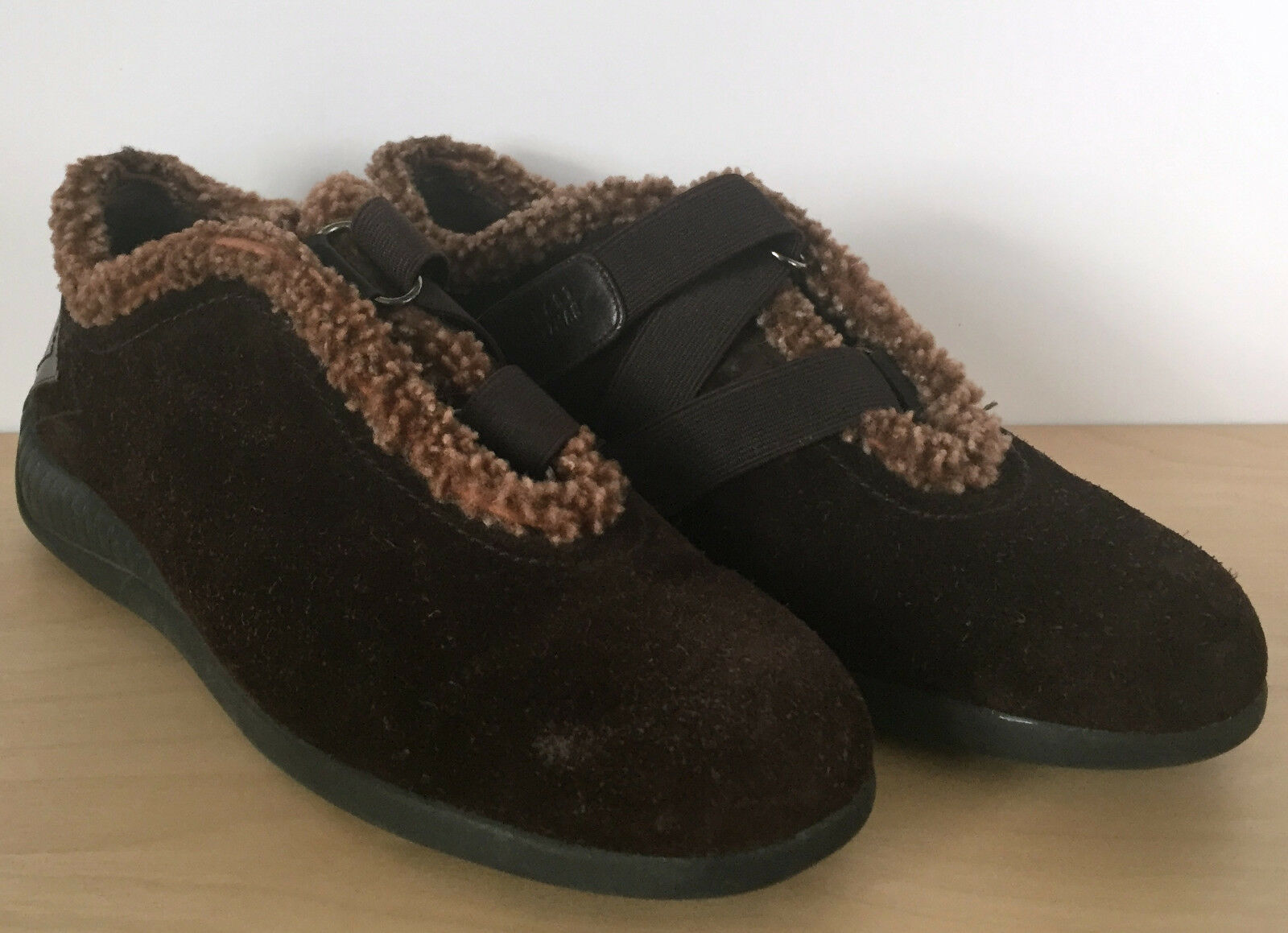 STUART WEITZMAN Womens Brown Suede Leather Fleece Lined Strap Shoes 6.5