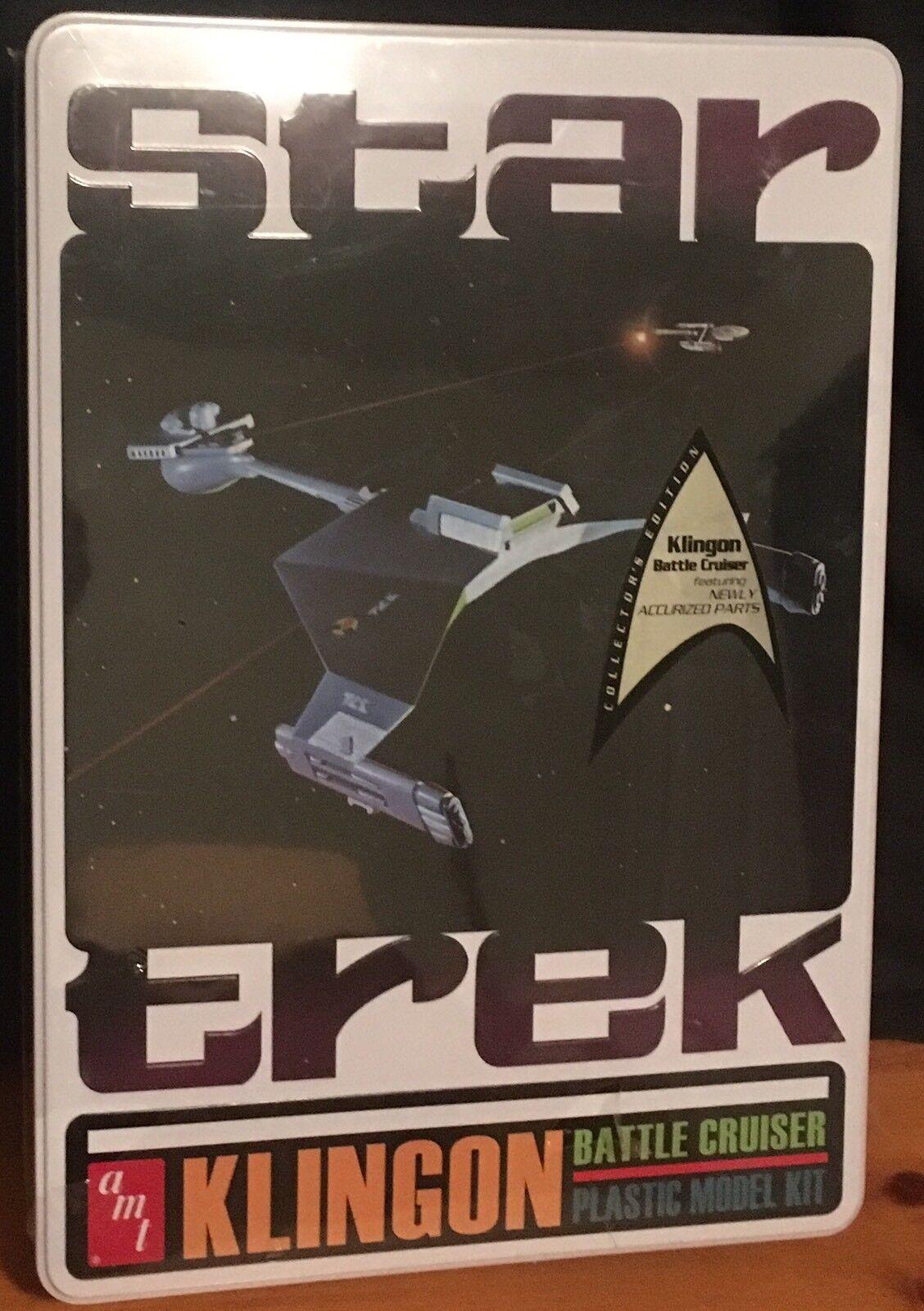 AMT Model Star Trek Klingon Battle Cruiser Ship Model Kit w  Collectible Tin NIB