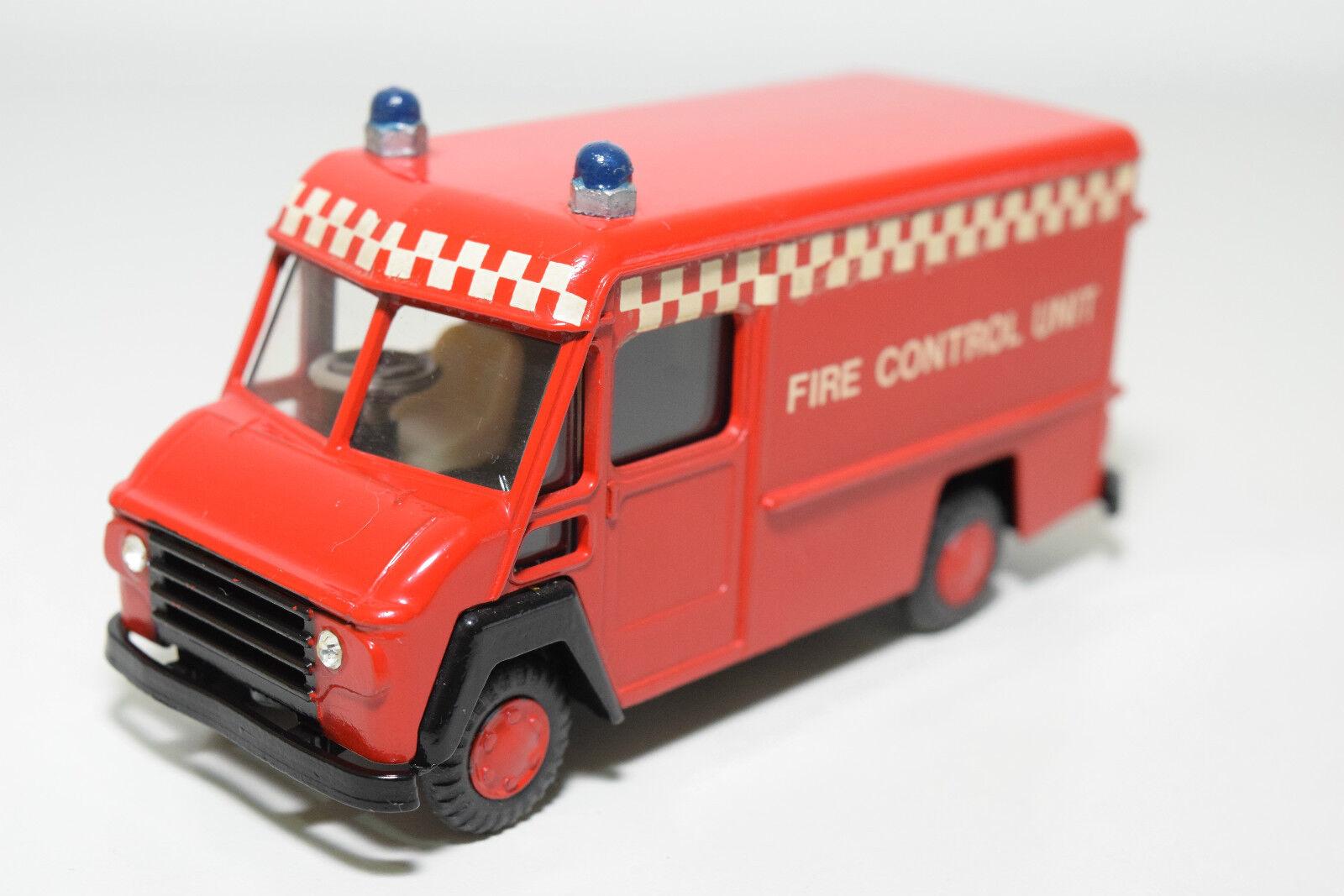 LION CAR CAR CAR LION TOYS 54 COMMER VAN FIRE CONTROL UNIT VERY NEAR MINT CONDITION RARE 2a4d26