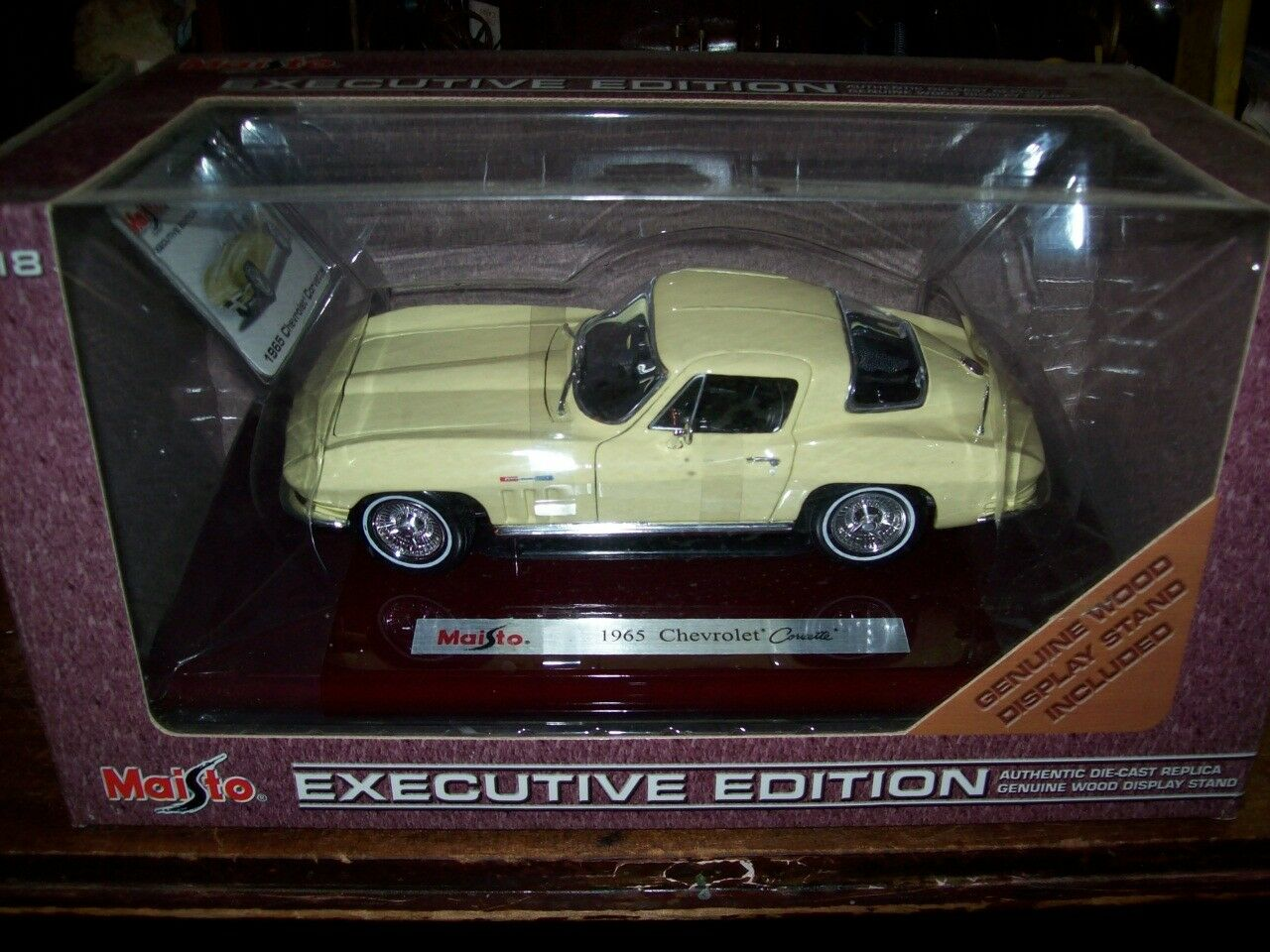 Maisto Executive utgåva 1965 Chevrolet Corvette 1-18 Scale Oöppnad ruta