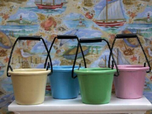 Casa de muñecas en miniatura escala 1//12th Conjunto de 4 cubetas de color pastel Estaño KA332B