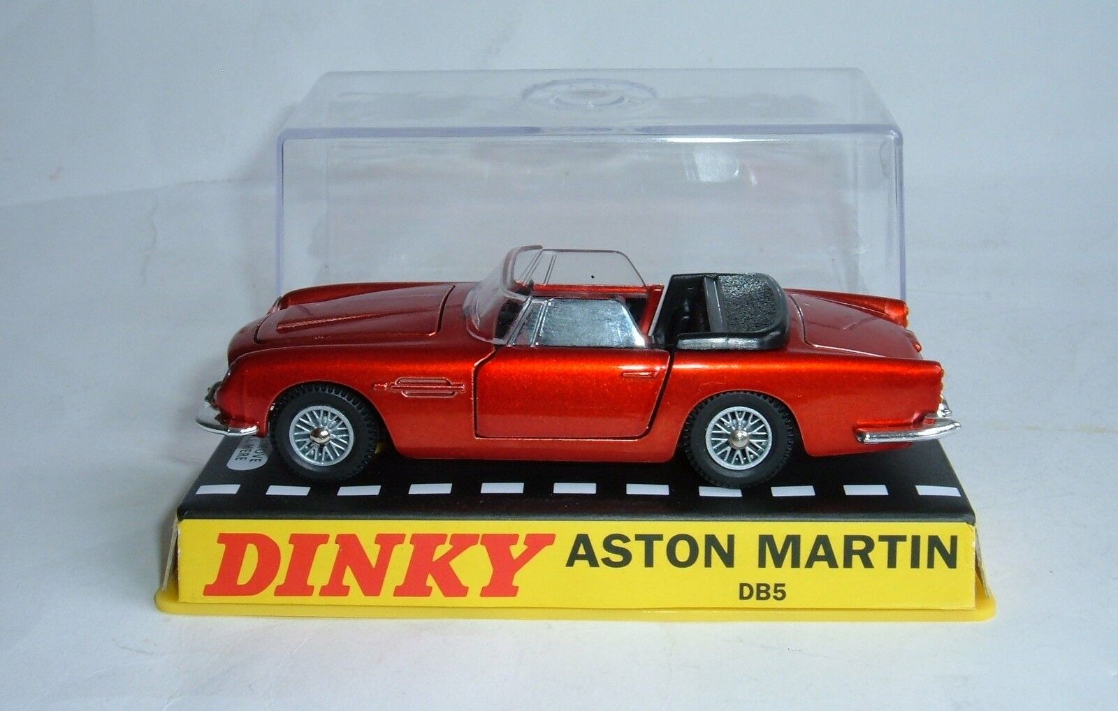 Atlas   Dinky Toys No. 110, Aston Martin DB5, - Superb Mint.