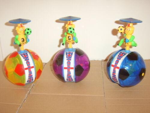 Ragazzi Toy. girevole Light Up Musicali calciatore. la consegna garantita
