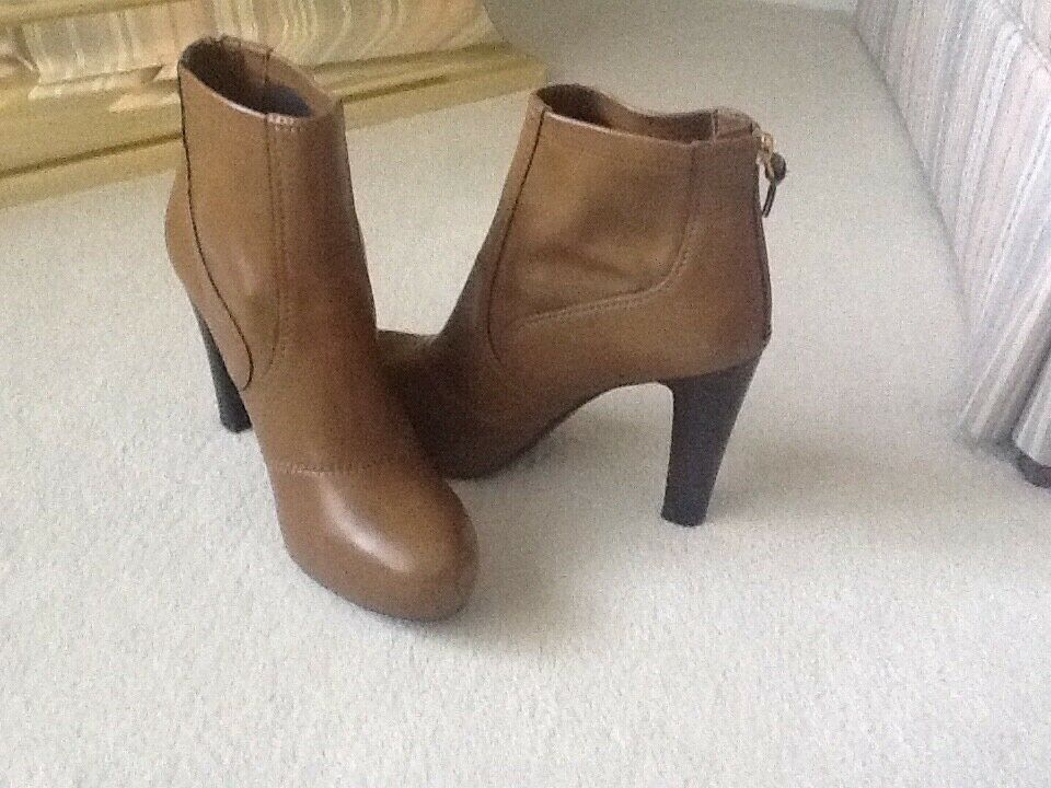 Para mujeres Zapatos-Nuevo Franco Sarto 4  Botines Camel Talla EE. UU. 9M