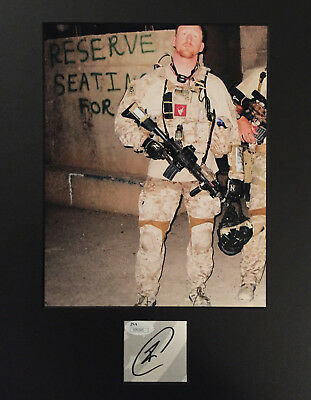 Robert O/'NEILL signed 8x10 Matte Photo Of Dinner With President Trump And JSA
