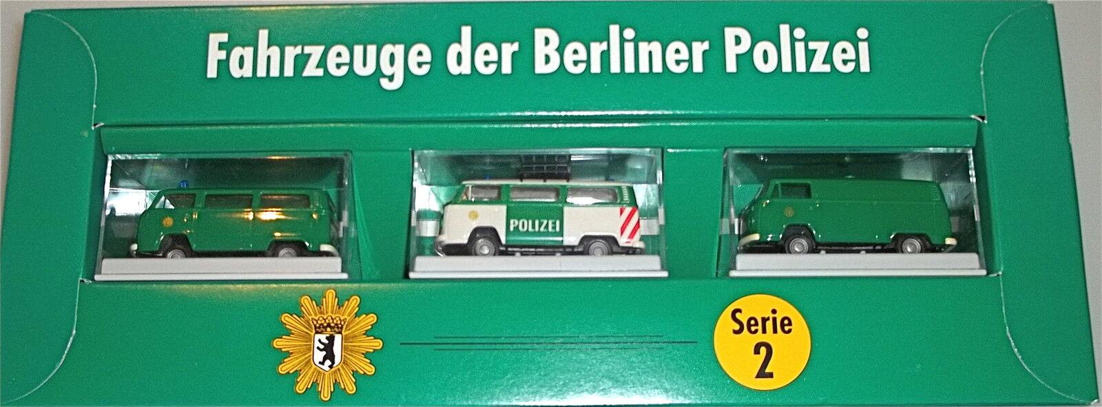 Vehicles of the Berlin Police Series 2 Brekina