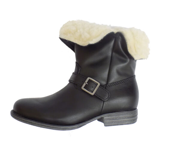 ugg madison eyelet short boot