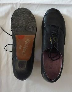 Chaussures-fermees-KICKERS-taille-40