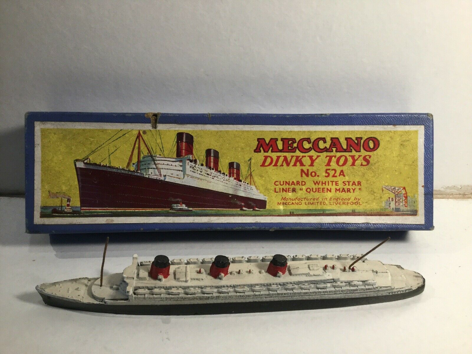 Meccano Dinky Ships 52 A Cunard blanc Star Liner Queen Mary dans sa boîte d'origine