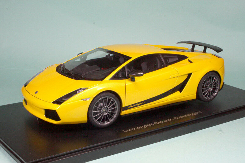 Lamborghini Gallardo Superleggera yellow Midas 74584 1 18 AutoArt