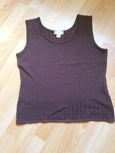 neues-Stricktop-mit-Muster-034-creation-L-034-braun-RH-Ausschnitt-aermellos-Gr-42