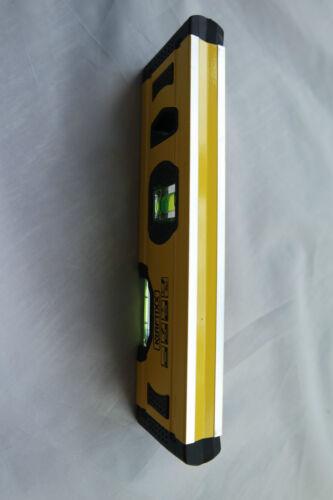 Alu Mini Wasserwaage 20 cm mit V-Nut für Rohre Pfosten Kraftixx