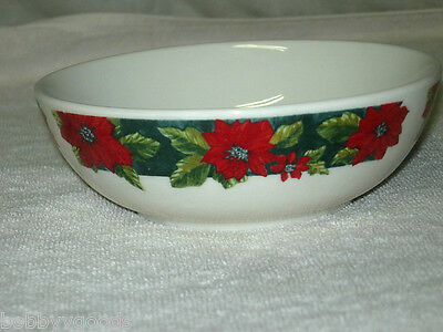 Gibson Designs Charming Poinsettia Soup Cereal Bowl