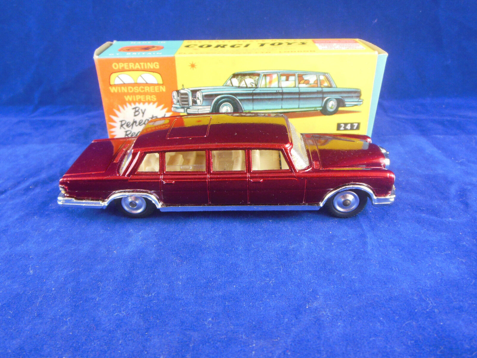 Corgi toys 247 Mercedes Benz 600 Pullman in Dark Red Original & Superb