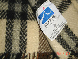 VTG-MID-CENTURY-ALAFLOSS-ICELAND-WOOL-STADIUM-PICNIC-CAMPING-BEACH-WARM-BLANKET