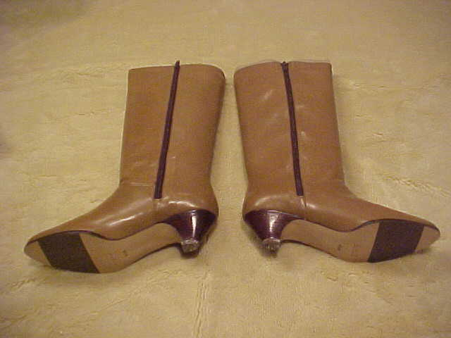 NEW VINTAGE LADIES ETIENNE AIGNER TALL TAUPE LEATHER BOOTS SIZE 8 1 2 M