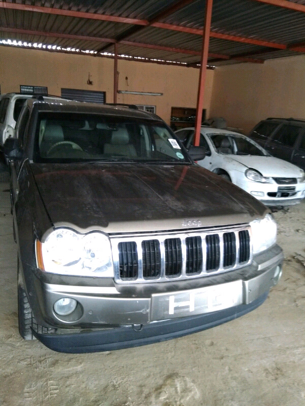Jeep Grand Cherokee 5.7L V8 Stripping For Spares