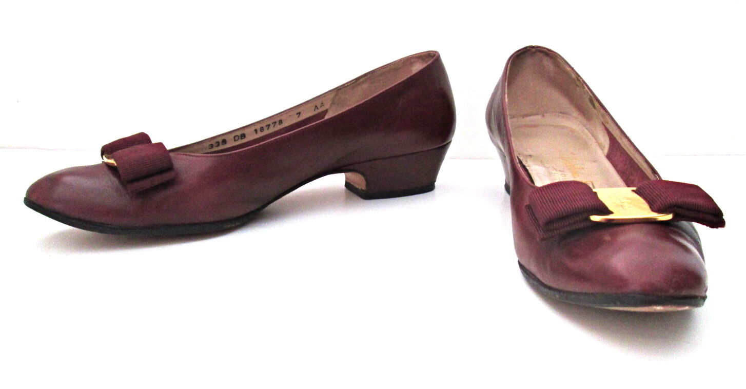 Ferragamo burgundy low heel Vara schuhe ribbon trim logo buckle 7AA
