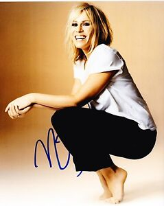 NATASHA-BEDINGFIELD-SIGNED-8X10-PHOTO-AUTHENTIC-AUTOGRAPH-UNWRITTEN-BRIT-COA-C