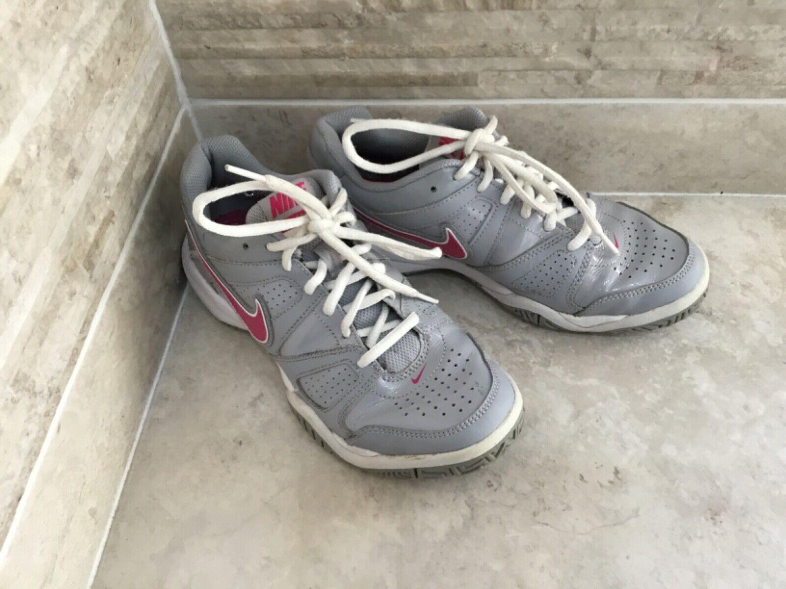 Nike City Court 7 Baskets Vernies Gris & Rose UK 4 Chaussures de Tennis *
