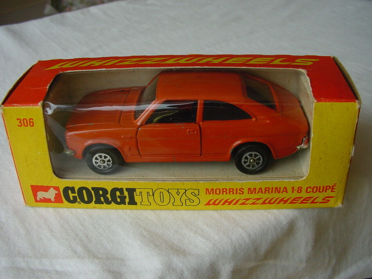 KORGI 306 MORRIS MARINA 1.8 COUPE URSPRUNG ULTRA RARE BUNT orange 1971 VERSION