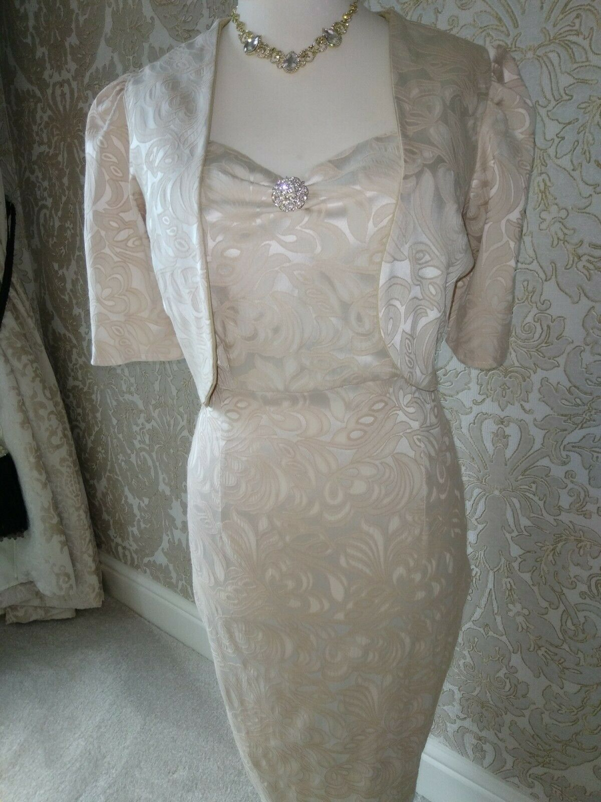 mother of the bride dress and jacket NEW 16 brocade stretch champagne/beige