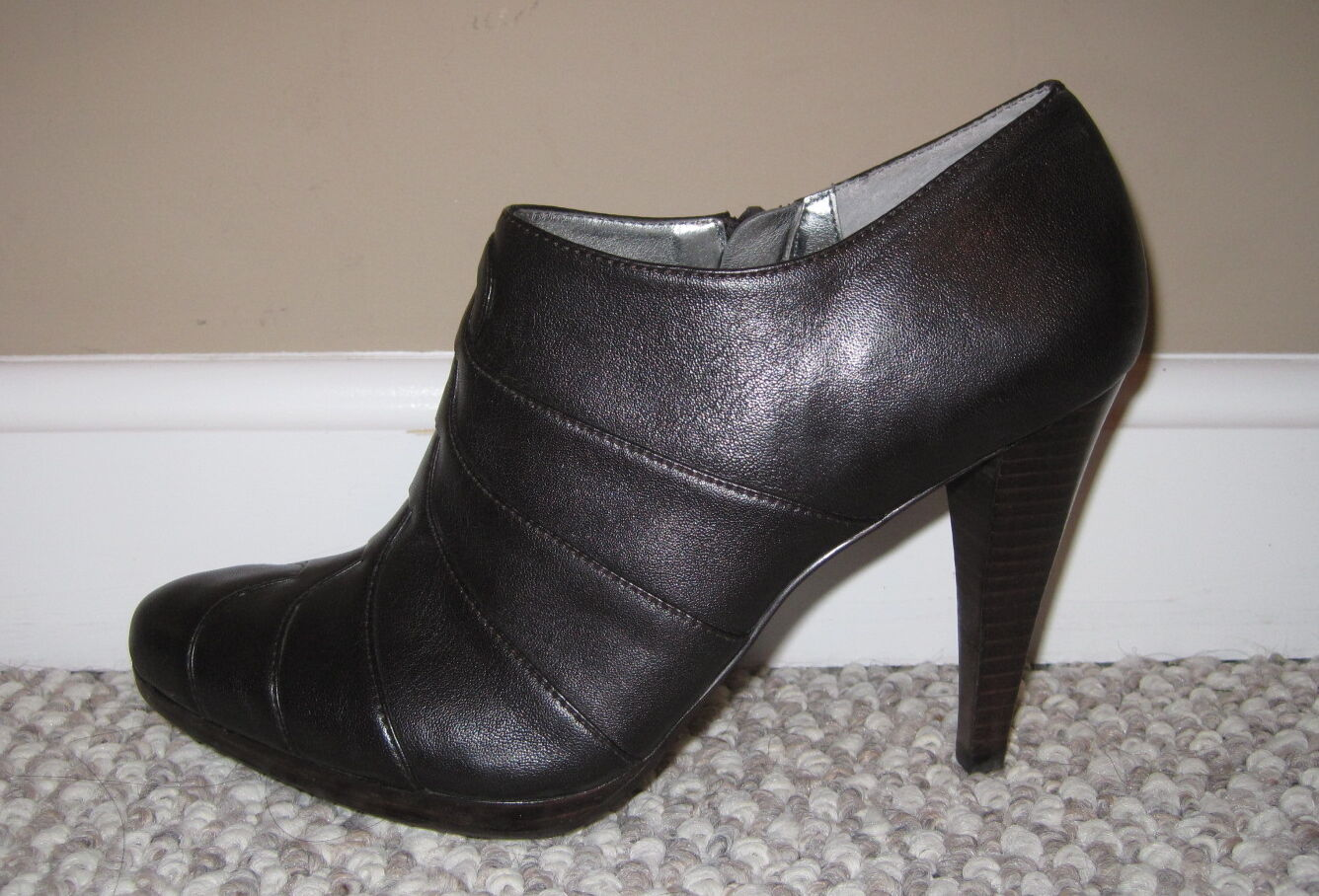 CALVIN KLEIN BEVERLY BROWN LEATHER 6.5 ZIPPER ANKLE BOOTS