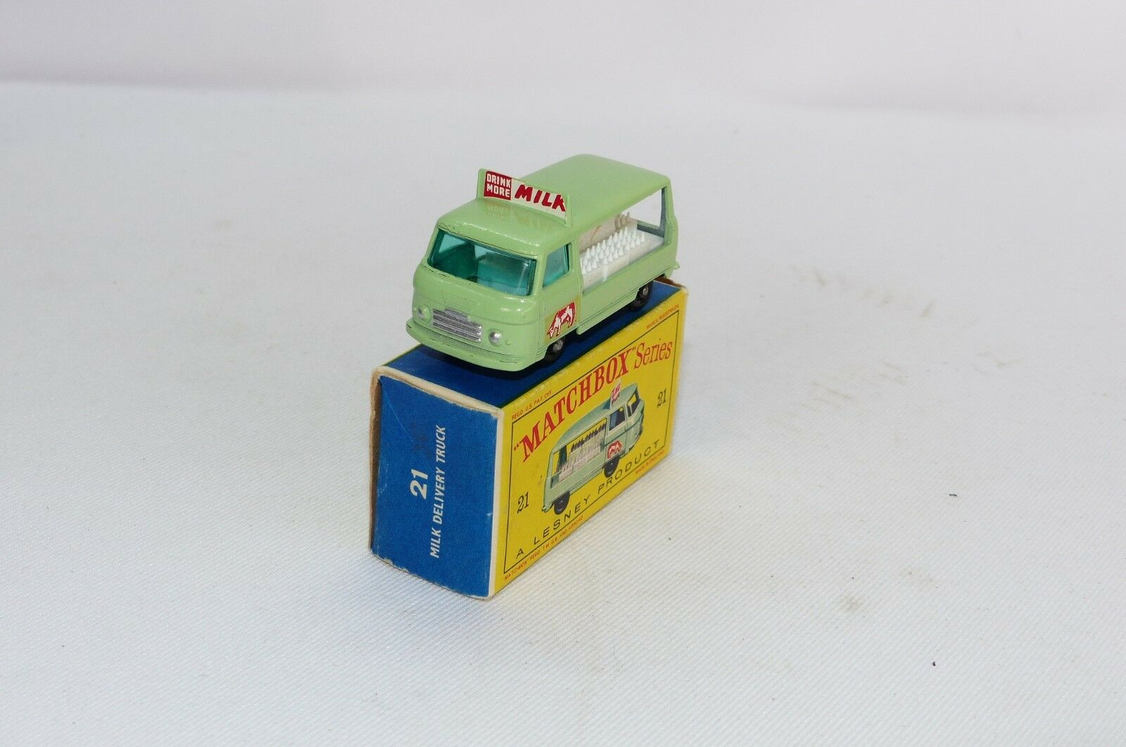 Matchbox regular wheels No 21 is the model of the Commer Milk Float BPW MB