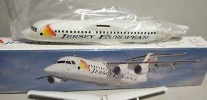 FLIGHT-MINATURE-JERSEY-EUROPEAN-BAE-146-1-150-SCALE-PLASTIC-SNAPFIT-MODEL