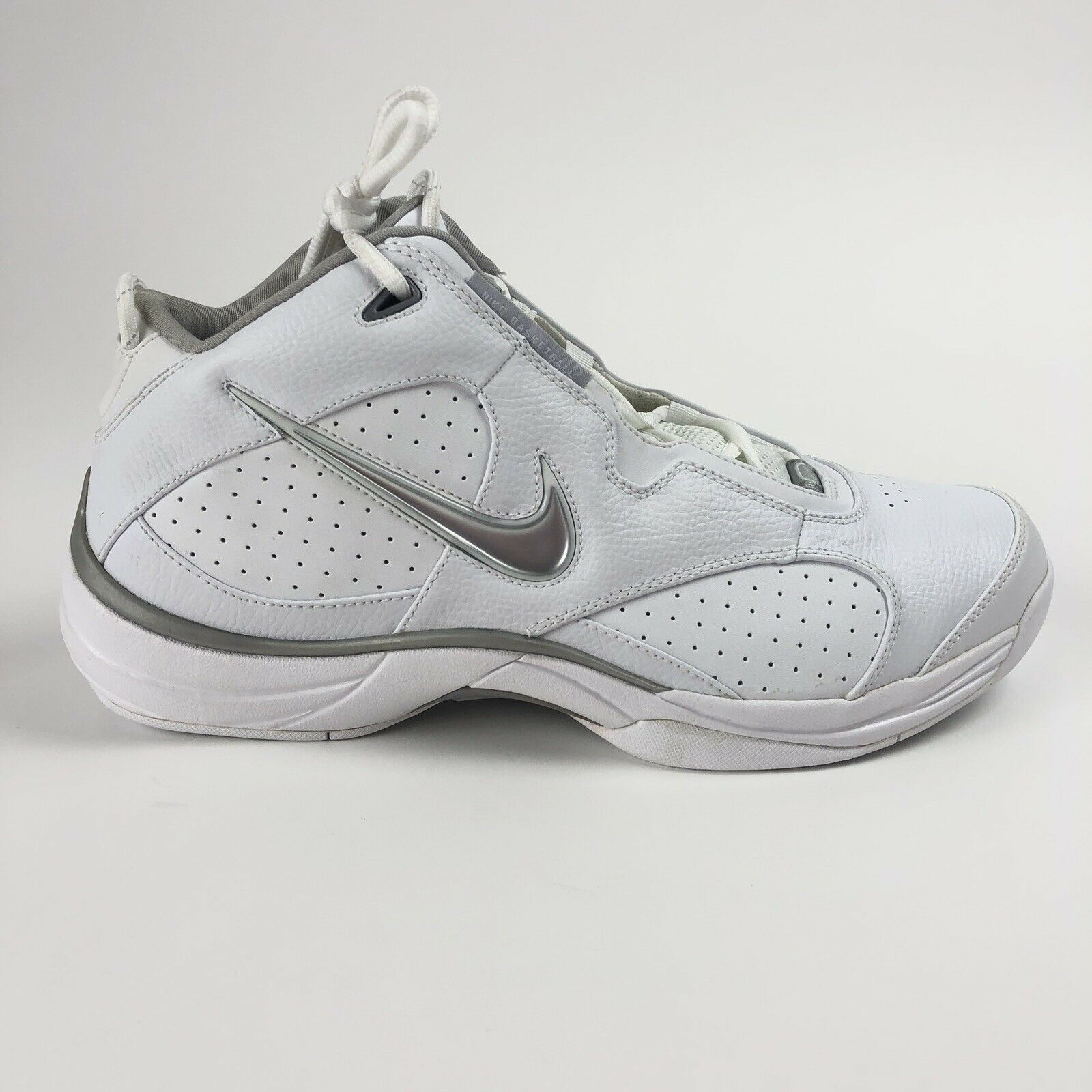 Nike Flight Fury Mens Size 13 Mid Top White Basketball shoes Sneakers 310102-101