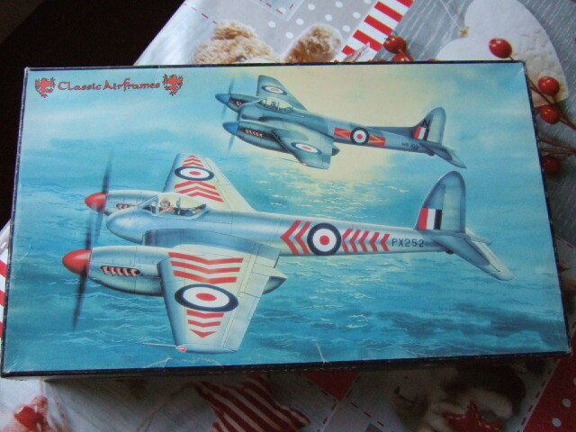 1 48 scale DE HAVILLAND SEA HORNET F.1 F.3  Classic Airframes Kit N° 458
