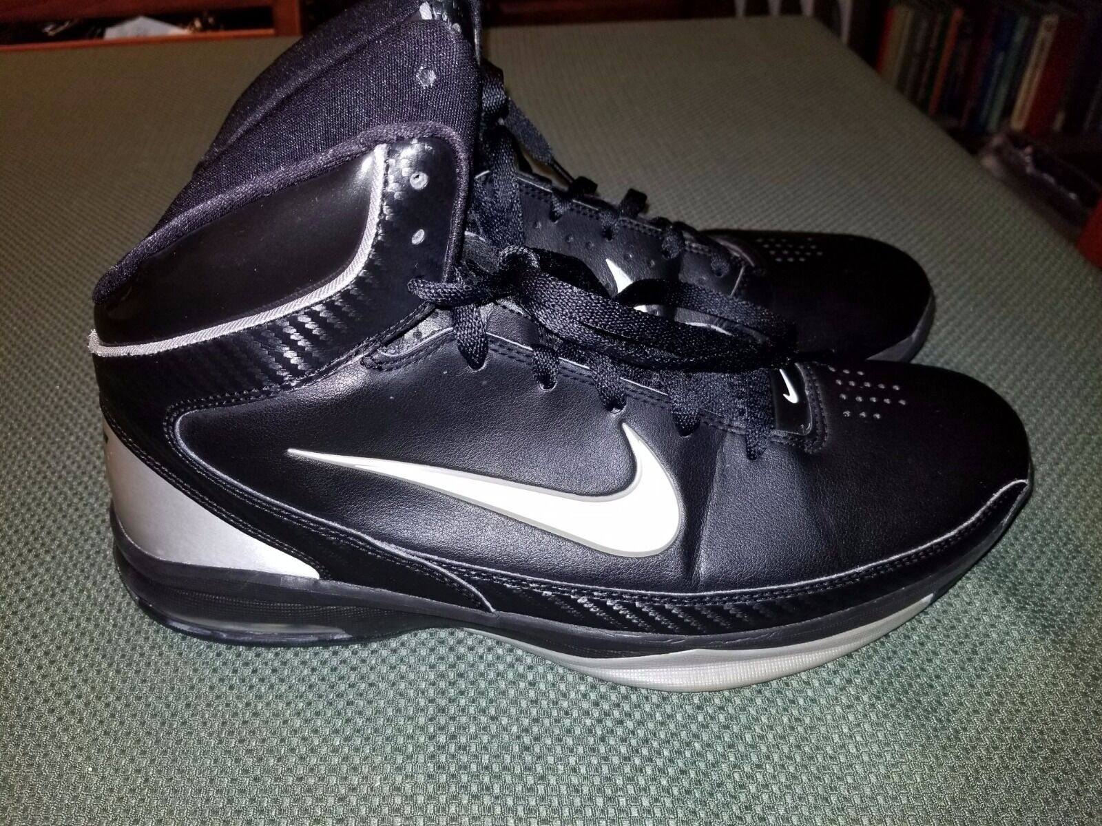 5aa1157bd5dfb Nike AirMax Hyped Mid Black White Size US M Basketball Sneakers ...
