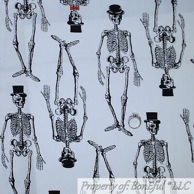 BonEful Fabric FQ Cotton Quilt White Black B/&W Small Little Skeleton Skull Bone