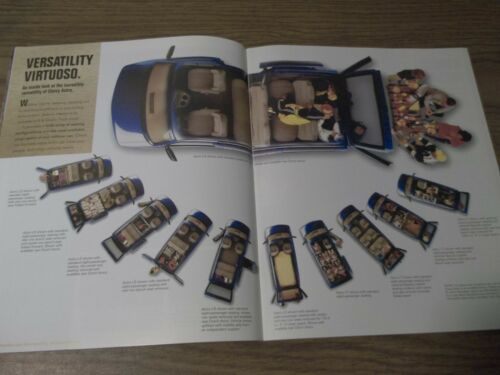 MINT CHEVROLET 2001 CHEVY ASTRO 28 PAGE SALES BROCHURE NEW BOX 662