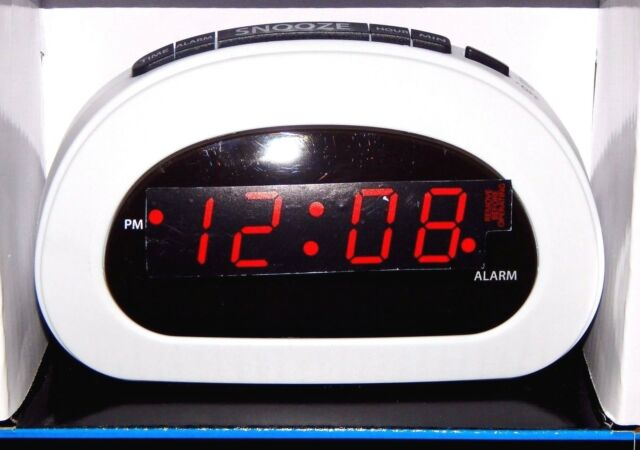 Mainstays Led Digital Alarm Clock Electric W Battery Backup Snooze Sleep White