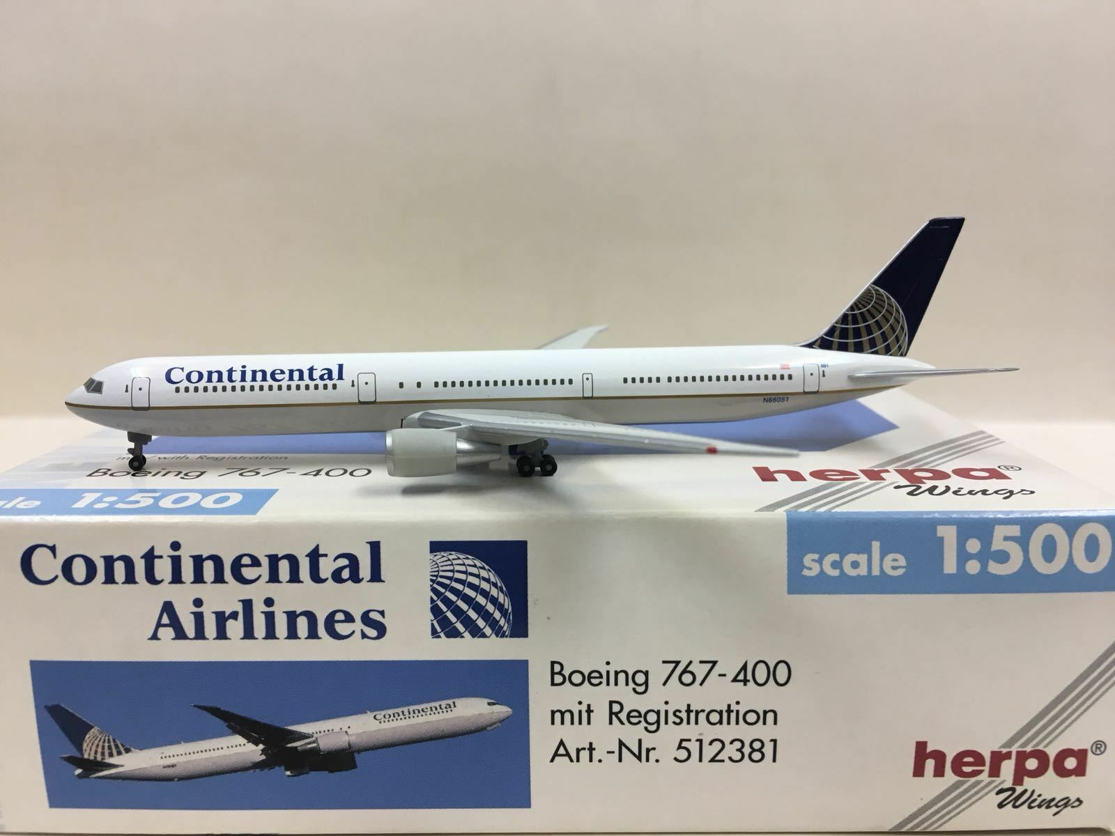 HERPA WINGS Continental Airlines Boeing 767-400ER 1 500 N66051 512381