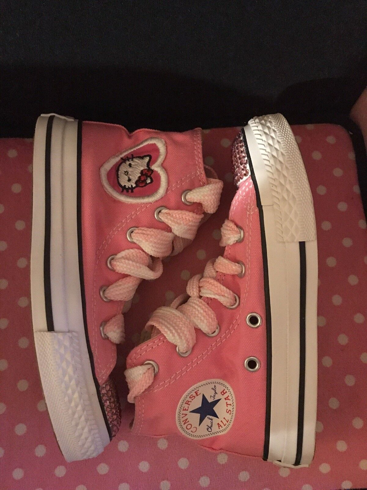 Converse All Star Chuck Taylor Sneakers Hello Kitty pink canvas Size 11 1/2