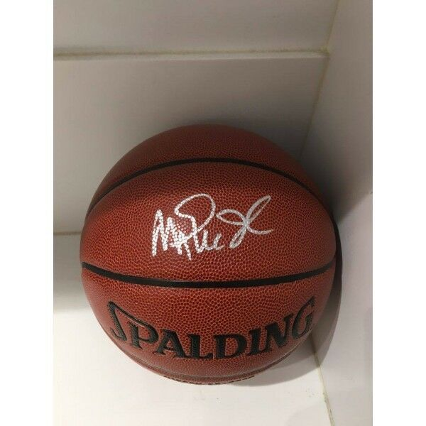 MAGIC JOHNSON HAND SIGNED SPALDING BASKETBALL NBA LOS ANGELES LAKERS LEGEND