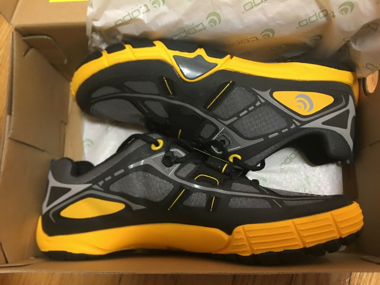 Topo Athletic Mens Halsa gym schuhe Charcoal Mango Größe 10.5