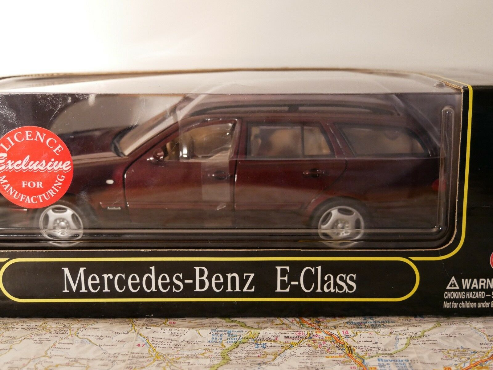 ANSON MERCEDES BENZ E- CLASS RED  ART. 30328 RARE NEW 1 18