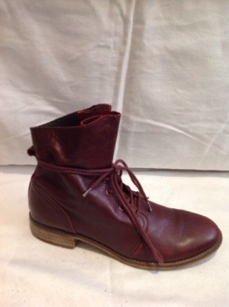 Ladies Maroon Ankle Leather Boots Size 38