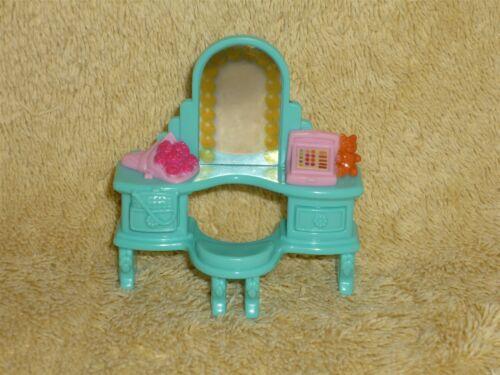 Fisher Price Sweet Streets Dollhouse Dance Studio Vanity Desk Flowers Mirror