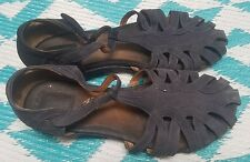 "Clarks Artisans Size 10W Suede ""T"" Strap Navy Blue Flats Gladiator Sandals 87206"