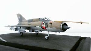 1-72-MIG-21-Fishbed-Diorama-Tschecheslowakische-Air-Force-gebaut-und-lackiert