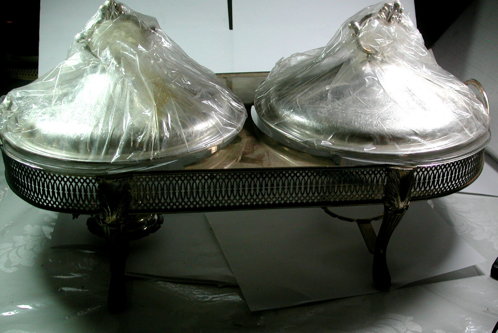 Antique Vintage Filigrane Argent Plaque Large Double Serving Dish Footed Corning