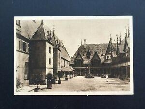 Carte-Postale-Ancienne-BEAUNE-L-Hospice-La-Cour-d-039-Honneur
