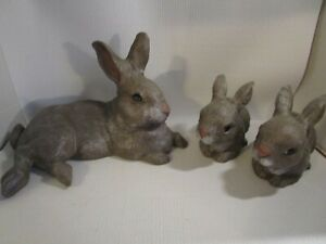 Vintage-Ceramic-Rabbit-Family-Mama-with-2-Bunny-Babies-Figurines-Hand-Painted