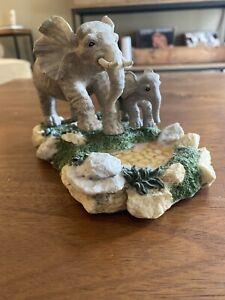 Vintage-Resin-Elephant-Figurine-Mom-And-Baby-Elephant